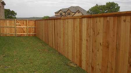Prix d\'une clôture en bois | Coût moyen & Tarif de pose