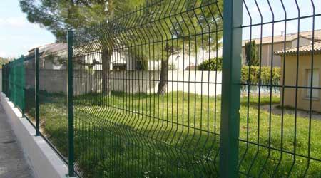Cout Cloture prix d'une clôture en grillage | coût moyen & tarif de pose | prix pose