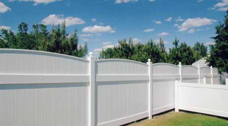 Prix d'une clôture PVC panneaux