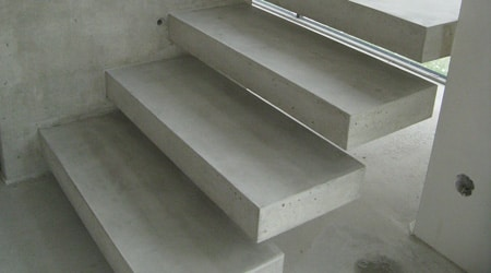 Prix d'un escalier suspendu béton