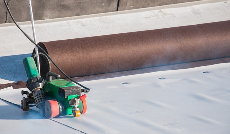 Prix d'une étanchéité de toit-terrasse : Le PVC
