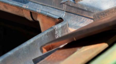 Prix d'une gouttière rampante en zinc