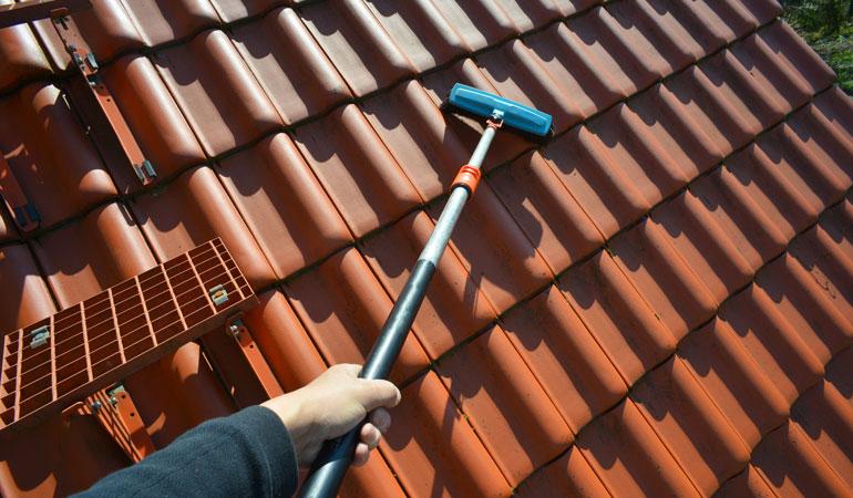 Prix d'un nettoyage de toiture selon la technique