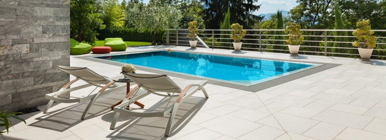 Quel est le prix d'une piscine selon les matériaux