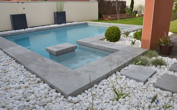 Prix d 39 une piscine en b ton co t de construction for Prix piscine beton