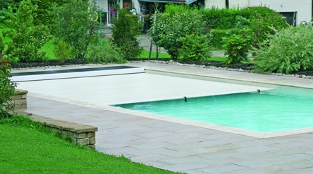 Prix d'une piscine couverte repliable