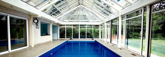 prix d 39 une piscine couverte co t de construction. Black Bedroom Furniture Sets. Home Design Ideas