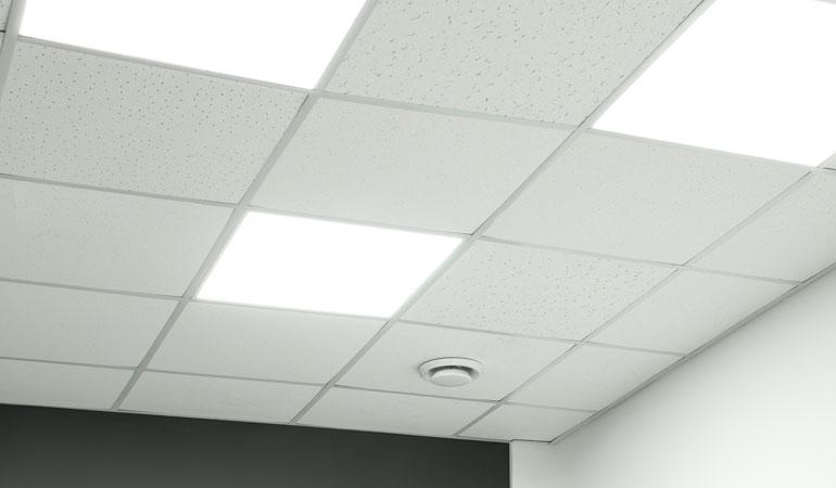 Prix d'un plafond suspendu en dalles