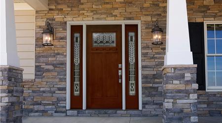 Prix d'une porte d'entrée en bois semi-vitrée