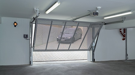 Prix d 39 une porte de garage co t moyen tarif d for Porte de garage enroulable pose sous linteau