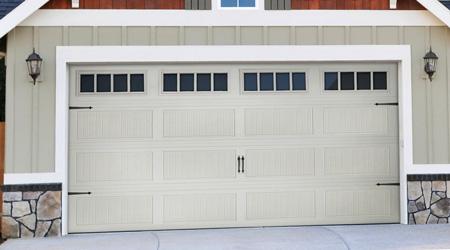Prix d'une porte de garage sur mesure 1