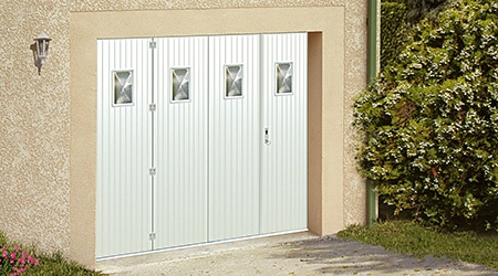 Prix d 39 une porte de garage co t moyen tarif d for Comment nettoyer une porte de garage en aluminium