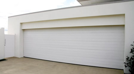 Prix d'une porte de garage sectionnelle motorisée