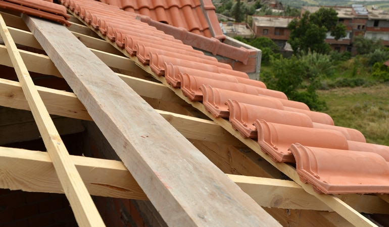 Prix d'une toiture : Remplacement de la couverture
