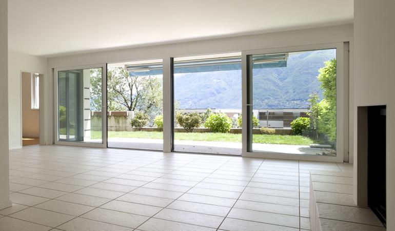 Quel est le prix d'une baie vitrée selon les types d'ouverture