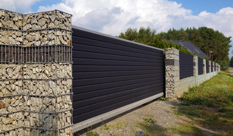 Quel est le prix d'une clôture en aluminium selon les formats