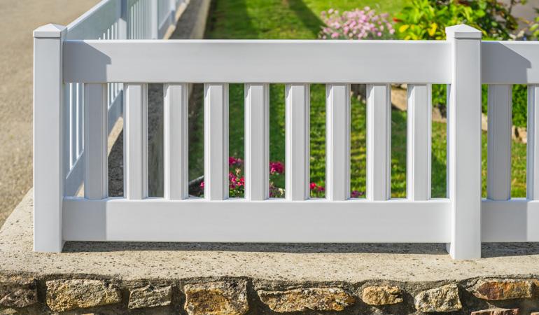 Quel est le prix d'une clôture PVC selon les formats