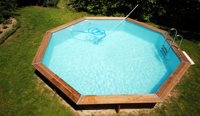 Quel est le prix d'une piscine bois selon les systèmes