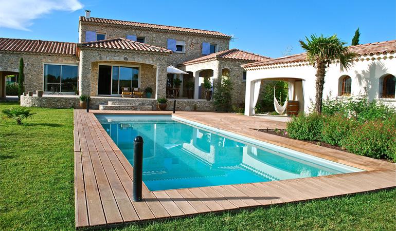 Quel est le prix d'une piscine enterrée selon les matériaux
