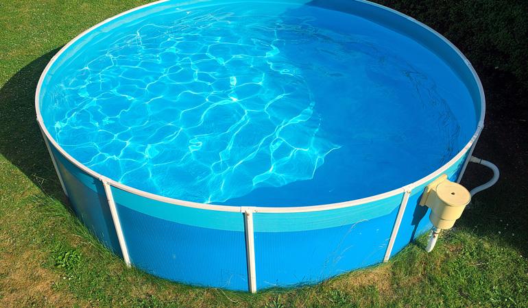 Quel est le prix d'une piscine hors-sol selon les systèmes