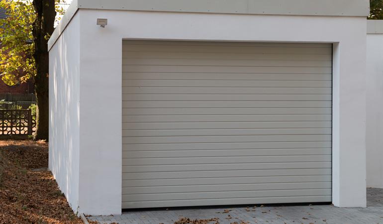 Quel est le prix d'une porte de garage enroulable