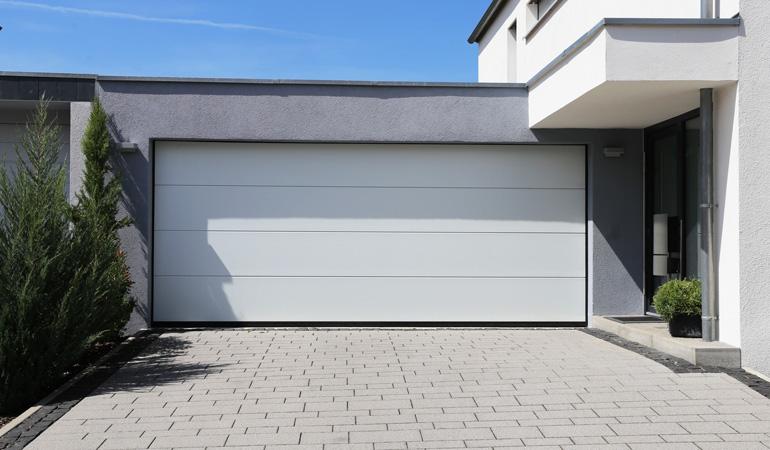 Quel est le prix d'une porte de garage sectionnelle