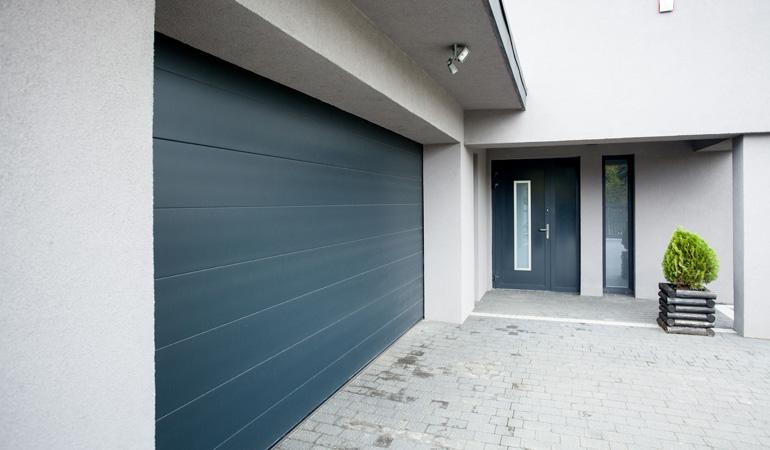 Quel est le prix d'une porte de garage sur mesure
