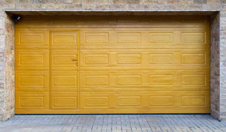 Prix D Une Porte De Garage Avec Portillon Cout Moyen Tarif De Pose