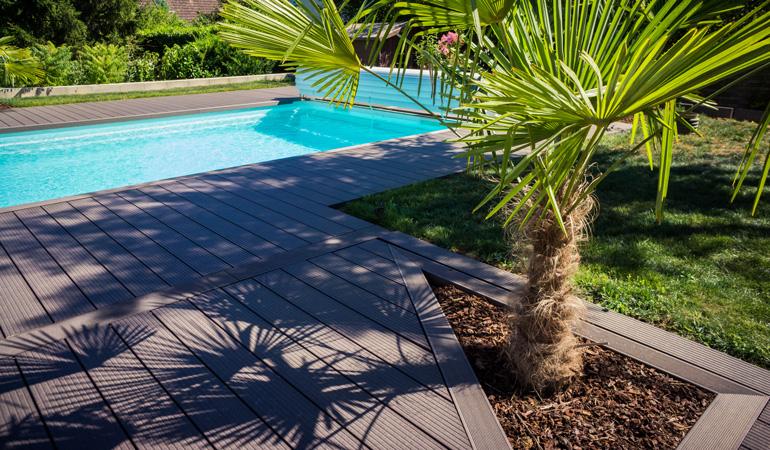 Quel est le prix d'une terrasse composite au m² selon les lames