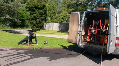 La réalisation d'un débouchage de canalisation