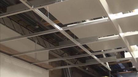 La pose d'un plafond suspendu