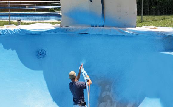 Rénover un enduit de piscine béton