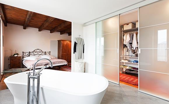 La salle de bain attenante : les éléments