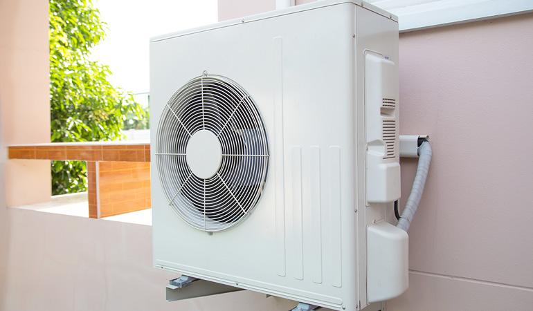 Tarif d'une climatisation gainable au m² selon les normes thermiques