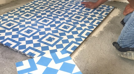 Prix d 39 un carreaux de ciment co t moyen tarif de pose for Prix carreaux ciment