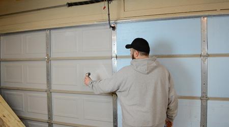 Tarif de pose d'une porte de garage sur mesure