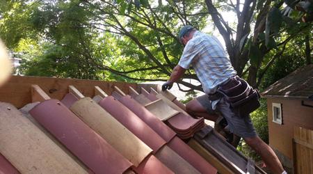 Prix d 39 une toiture en tuiles co t moyen tarif de pose for Pose toiture tuile