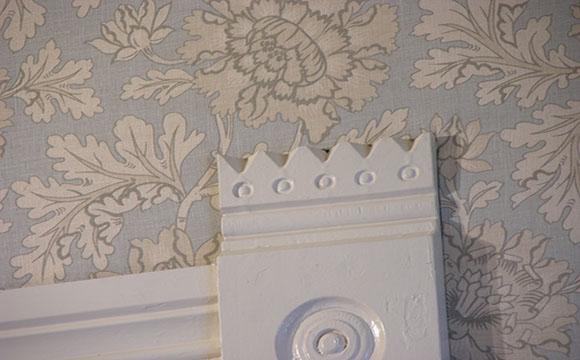 Le tissu mural comme revêtement mural de chambre
