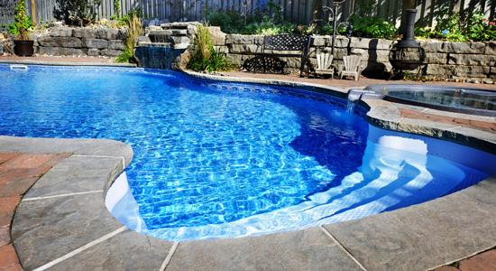 Le traitement d'une piscine : Indispensable pour une bonne baignade