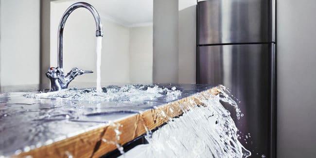 Trucs et astuces pour déboucher vos canalisations facilement